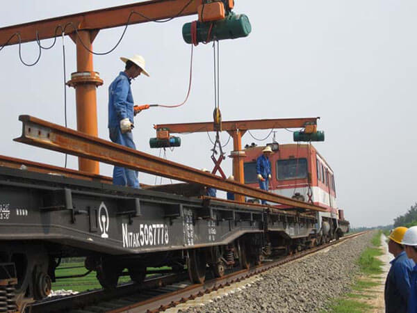 long rail laying